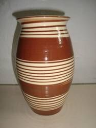Kähler (Herman A. Kähler) vase. H: 19 cm D: 12 cm from 1940s.  Signed HAK. #kahler #ceramics #pottery #hak  #dansk #keramik #vase #danish