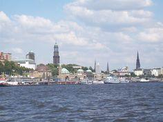 Hamburg Landungsbrücken Paris Skyline, New York Skyline, Germany, Around The Worlds, Showers, Travel, Seafood Market, Travel Advice, Viajes
