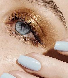 Turn a pencil eyeliner into a gel formula with the help of a match or lighter. Makeup Goals, Makeup Inspo, Makeup Art, Makeup Inspiration, Makeup Ideas, Makeup Salon, Fairy Makeup, Makeup Studio, Mermaid Makeup