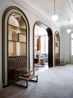 The country town of Armidale is home to the refurbished Tattersalls Hotel, with Luchetti Krelle honouring the building& opulent Art Deco past. Design Hotel, Home Design, Spa Design, Interior Modern, Interior And Exterior, Arch Interior, Cafe Interior, Minimalist Interior, Apartment Interior