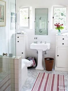 Our easy and cheap tips and tricks will help you maximize space in your small bathroom! Choosing the right colors for your cabinets, walls and tile will help open up the space along with picking out a vertical bathroom storage and a pedestal sink.