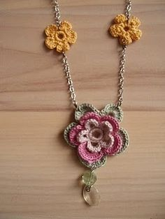 Crochet flower necklace tutorial..