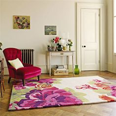 New and oh-so-stylish living room designs to inspire Tapete Floral, Floral Rugs, Living Room Furniture, Living Room Decor, Living Rooms, Large Rugs, Interior Inspiration, Living Room Designs, Home Accessories