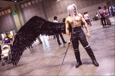 Epic Sephiroth from Final Fantasy VII and not a single person is looking at him?! Wtf?!