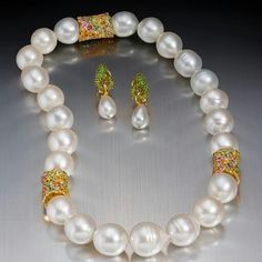 Today is the last day to buy tickets in the @rbwhf Margot McKinney raffle prize for the @rightroyalaffair on Saturday night. It is a glittering, fabulous night and I am so proud and happy to be able to help this very important cause. The Australian south sea pearl necklace and earrings are beautiful and $100 will buy you 3 chances to win them! Rush to www.rbwhfoundation.com.au to buy tickets! @cass_george @ljppve #helpinghands #preciousjewels #australianpearls #margotmckinneypearls
