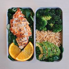 Healthy Recipes Grilled Salmon, Basmati Rice, Broccoli & Mushrooms Bento Ordered takaway from today so I'm sharin - Health and Nutrition Healthy Side Dishes, Healthy Dinner Recipes, Mexican Food Recipes, Real Food Recipes, Healthy Snacks, Vegetarian Lunch, Vegetarian Recipes, Manger Healthy, Green Veggies
