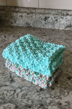 Textured Dishcloth Pattern, Knitting. I love knitting dishcloths. This pattern turns our beautiful. They make great gifts for Mother's Day.