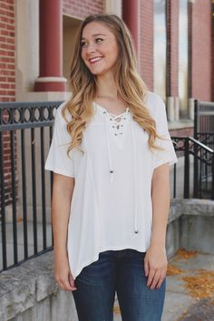 Short Sleeve Criss Cross V-neck Oversized Top – UOIOnline.com: Women's Clothing Boutique