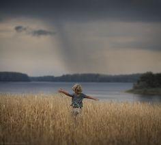 Photograph go to the rain.. by Elena Shumilova on 500px