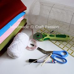 Locker Hook Tutorial: Basic Preparation | Free Pattern & Tutorial at CraftPassion.com