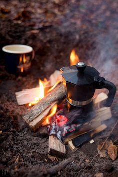 Morning coffee in the English woods camping Fresh Coffee, I Love Coffee, Coffee Break, Hot Coffee, Coffee Girl, Coffee Scrub, Coffee Cafe, Coffee Shop, Coffee Menu