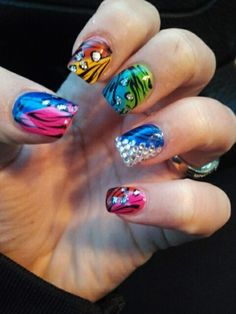 oh, I need my nails done like this!!! awesomeness