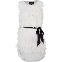 I like this dress I wonder wha store its in becaue I actually need a dress for a vacation.