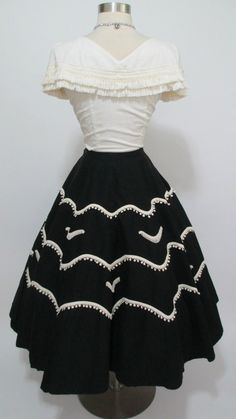 1950's Vintage 2 Piece Set Mexican Top and Skirt
