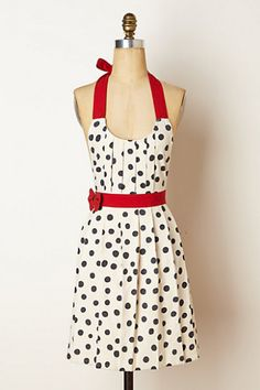 10 Aprons That Will Keep Your Holiday Outfits Stylish | Babble