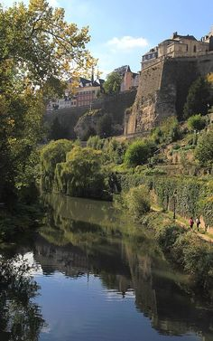 #Luxembourg Quelles sont les caractéristiques d'une SOPARFI au Luxembourg? http://www.fiduciaire-luxembourg.com/ouvrez-un-soparfi-au-luxembourg