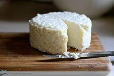 高級チーズもお家で作ろう!手作りチーズのレシピ - Locari(ロカリ)