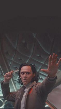 Marvel Jokes, Loki Thor, Loki Laufeyson, Marvel Avengers, Tom Hiddleston Loki, Loki Aesthetic, Loki Wallpaper, Marvel Background, Marvel Photo