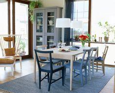 """Slideshow: 10 Bilder """"Alla Norrgavels bord är av hög kvalitet – enkel form, klar funktion och förstås förnyelsebara med massivt trä rakt igenom.Men brett m"""