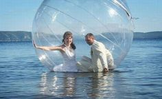 Orta Lake Wedding, this couple figured out how to have an Orta Lake wedding and keep dry - Pixdaus