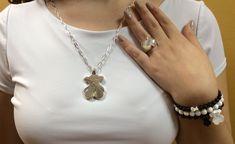 Resin Jewelry, Bling Jewelry, Antique Jewelry, Vintage Jewelry, Jewlery, Fashion Models, Women's Fashion, Jewelry Trends, Leather Case