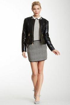 Sweet skirt, Great collar.