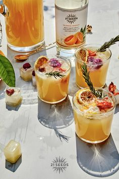 Tequila Mixed Drinks, Fun Drinks Alcohol, No Calorie Foods, Low Calorie Recipes, Low Calorie Cocktails, Valencia Orange, Cocktail Garnish, Margarita Recipes, Craft Cocktails
