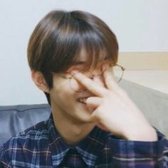 changmin the boyz Memes Funny Faces, Funny Kpop Memes, Cute Memes, Stupid Memes, Diecisiete Memes, K Meme, K Pop, Reaction Pictures, Funny Pictures
