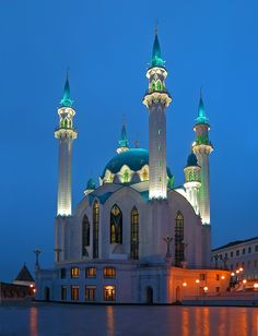 The Qolşärif Mosque located in Kazan Kremlin, was reputed to be – at the time of its construction — the largest mosque in Russia, and in Europe outside of. Russian Architecture, Islamic Architecture, Beautiful Architecture, Beautiful Buildings, Places Around The World, Oh The Places You'll Go, Around The Worlds, Places To Travel, Beautiful World