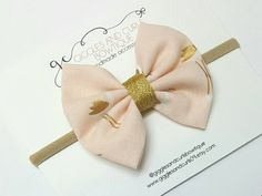Check out this item in my Etsy shop https://www.etsy.com/listing/511102147/fabric-hair-bow-flamingo-gold-glitter