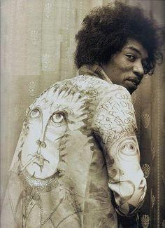 Jimi hendrix in Jacket hand painted by Chris Jagger(Mick's brother). Rock Roll, Pop Rock, Woodstock, Heavy Metal, Historia Do Rock, Hard Rock, Electric Ladyland, Hey Joe, Jimi Hendrix Experience