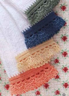 Crochet Edging Crochet Borders - Free Pattern - Beautiful BordersThis crochet pattern / tutorial is available for free. Crochet Boarders, Crochet Edging Patterns, Crochet Motifs, Thread Crochet, Crochet Trim, Crochet Crafts, Crochet Yarn, Crochet Stitches, Crochet Hooks