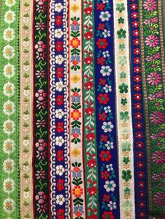 Details about neotrims indian sari border salwar kameez trimming ribbon flower embroidery – Artofit Vintage Fabrics, Vintage Sewing, Sewing Hacks, Sewing Crafts, Sewing Trim, Passementerie, Textiles, Diy Embroidery, Sewing Notions