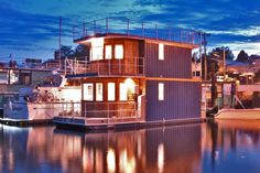 'Oh What A Day' Seattle Houseboat (SOLD!!!)