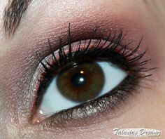 eye make up using Couleur Caramel Pearly Plum Brown, Pearly Red Brown and Pearly Aubergine Beige
