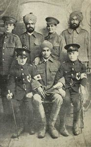 Group of the St. John Ambulance Brigade with Indian soldiers, Brighton, 1915.
