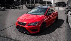 Agresywny i rozgrzany do czerwoności. Audi Sports Car, Sport Cars, Seat Cupra, Cars And Motorcycles, Motorbikes, Volkswagen, Vehicles, Design, Templates