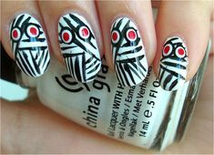 15-Scary-Halloween-Mummy-Nail-Art-Designs-Ideas-Trends-Stickers-2014-2