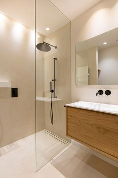 Minimalist Bathroom Design, Minimal Bathroom, Modern Bathroom, Small Bathroom, Guest Bathrooms, Bathroom Renos, Home Room Design, Bathroom Interior Design, Behindertengerechtes Bad