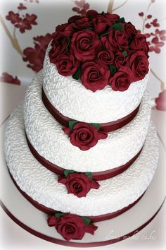 Ivory and Burgundy Roses Wedding Cake by donna_makes_cakes, via Flickr #goldweddingcakes #weddingcakes Wedding Cake Pops, Burgundy Wedding Cake, Black Wedding Cakes, Floral Wedding Cakes, Floral Cake, Wedding Cakes With Flowers, Wedding Cake Lace, Cool Wedding Cakes, Purple Wedding