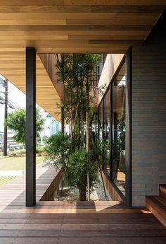 Hamada Design 5 is part of architecture - Hamada Design Photograph by Yohei Sasakura Villa Architecture, Biophilic Architecture, Interior Design Gallery, Home Interior Design, Patio Interior, Interior And Exterior, Design Exterior, Glass Facades, Diy Garden Decor