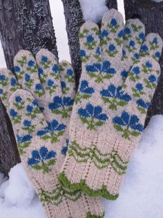 I love these so much, but will never knit them. I would pay dearly for a pair.