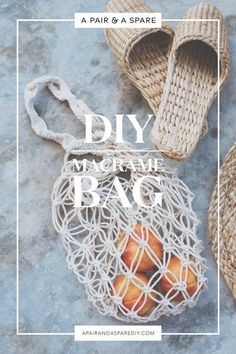 crochet bag diy-macrame-bag-second-version - Like with anything, the more you practice the better you get. Enter the second version in our journey to the perfect DIY macramé bag. DIY Macramé Bag - looks very easy and gorgeous DIY macrame tote bag A Tren Macrame Bag, Macrame Knots, Macrame Projects, Craft Projects, Sewing Projects, Diy Macrame Wall Hanging, Macrame Curtain, Macrame Mirror, Diy Accessoires