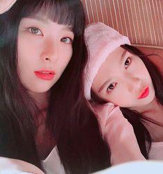 Red Velvet - Seulgi & Joy #reveluv #kpop #joygi