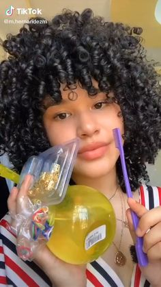 Curly Hair Routine, Curly Hair Tips, Curly Hair Care, Short Curly Hair, Blond Curly Hair, Mixed Curly Hair, Cute Curly Hairstyles, Girls Natural Hairstyles, Curly Hairstyles For Medium Hair