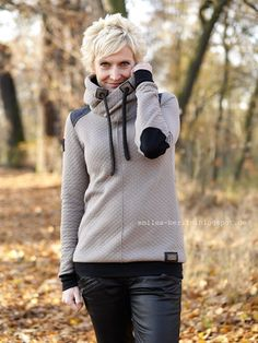 Sporty Outfits, Fall Fashion Outfits, Girl Outfits, Cute Outfits, Womens Fashion, Cool Jackets, Jackets For Women, Clothes For Women, Retro Sportswear
