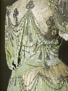Evening dress of Empress Alexandra Feodorovna. 1902-1903 Detail