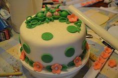 """Twin baby shower cake. """"Two Peas in a Pod"""""""