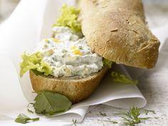 Quark-Eier-Baguette mit Frankfurter Kräutermischung: Kräutermix mit Vitaminen und Biostoffen, die den Stoffwechsel und die Verdauung unterstützen.