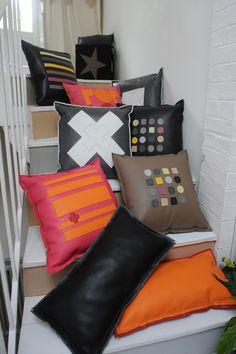 Découvrez notre collection de coussins en cuir aux couleurs acidulés et aux motifs graphiques !